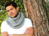 scarf,scarfs,scarves,knitted scarf,infinity scarf,infiniti scarf,grey scarf,gray scarf,grey knitted scarf