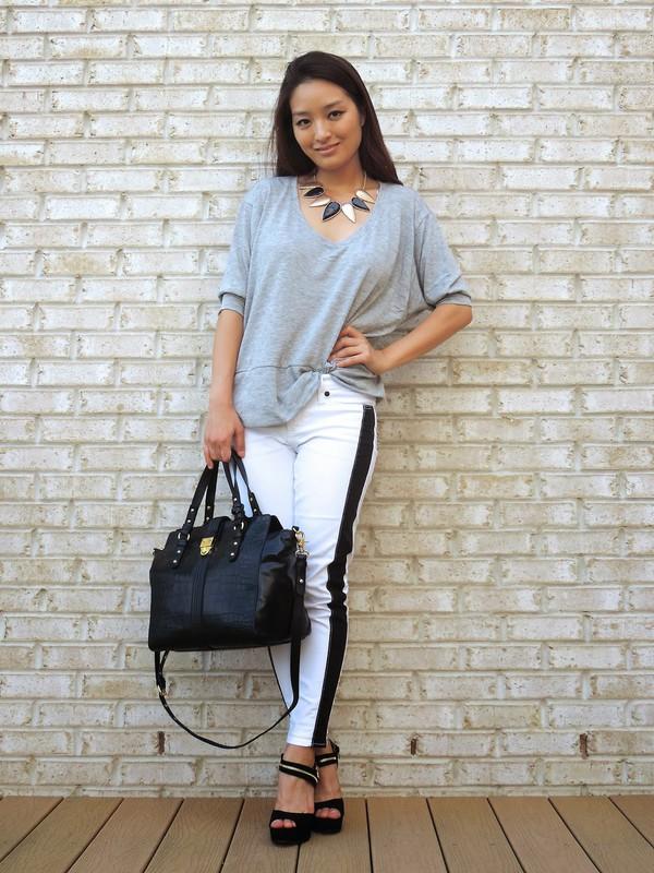 sensible stylista blogger top bag jewels