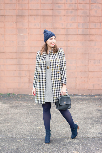 styleontarget blogger shoes hat coat dress jewels bag