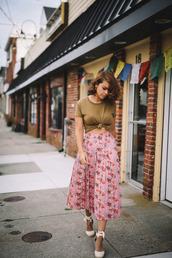 fashionbananas,blogger,skirt,shoes,floral,floral skirt,crop tops,green,maxi skirt,pink skirt,lace up,wedges,midi floral skirt