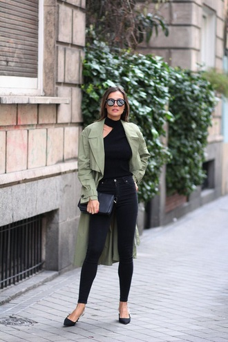 jeans black jeans top shoes black shoes coat skinny jeans denim black top flats trench coat army green
