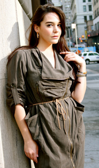 dress front zipper front zippers v neck rouched mid length sleeves front pockets brown string belt