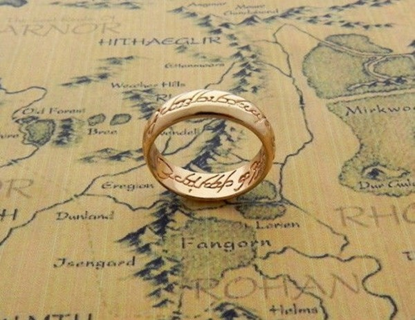 jewels yellowy gold the lord of the rings the hobbit