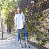 louise roe,blogger,jeans,shoes,jewels,off the shoulder,denim top,fringes,frayed denim,long sleeves,thick heel,blue heels,summer outfits,frayed jeans,puffed sleeves