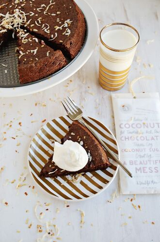 a beautiful mess blogger chocolate food lifestyle dinnerware our favorite home decor 2015 metallic home decor
