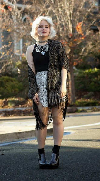 broke hell blogger skirt kimono snake print silver necklace