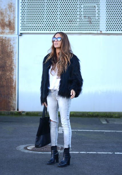 stella wants to die blogger coat shoes jeans t-shirt bag sunglasses jewels black fur jacket white top denim blue jeans ripped jeans mirrored sunglasses black bag