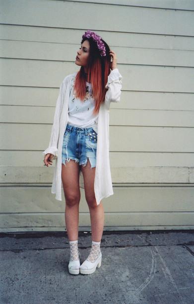le happy shoes t-shirt shorts sweater
