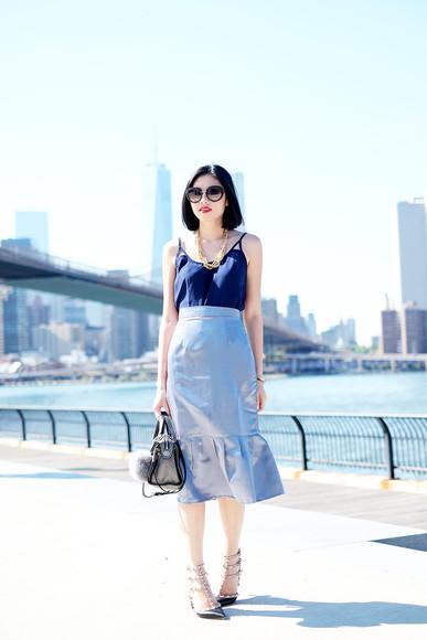 navy blogger bag sunglasses top olivia lazuardy tulip skirt