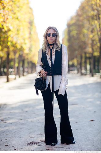 carolines mode blogger blouse scarf jacket bag jeans 70s style