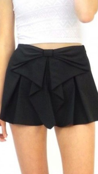 shorts black shorts with a bow  at the front