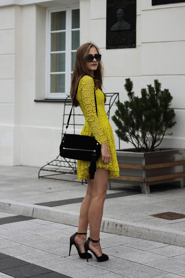 so in carmel dress shoes bag yellow dress yellow high heels clutch