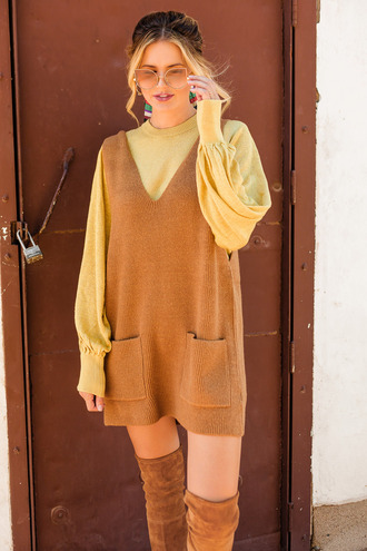 dress tumblr sweater dress camel sleeveless sleeveless dress sweater yellow monochrome outfit boots sunglasses fall colors fall outfits fall dress