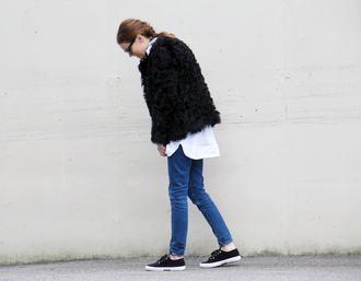 sara strand blogger shoes jeans shirt jacket scarf sunglasses