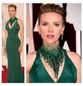 dress,scarlett johansson,emerald green,green dress,necklace,jewels