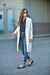 to be bright,blogger,jeans,top,coat,belt,spring outfits,white coat,flats