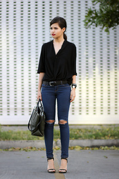 fake leather,blouse,jeans,bag,belt,shoes,jewels