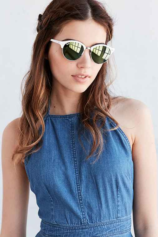 744b8fec4a5a1 Ray-Ban Clubround Sunglasses - Urban Outfitters
