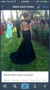 black,open back prom dress,long dress,prom dress,dress,black and open back,black lace prom dress,black dress,backless prom dress,lace dress,keyhole back,train,open back dresses,black lace dress