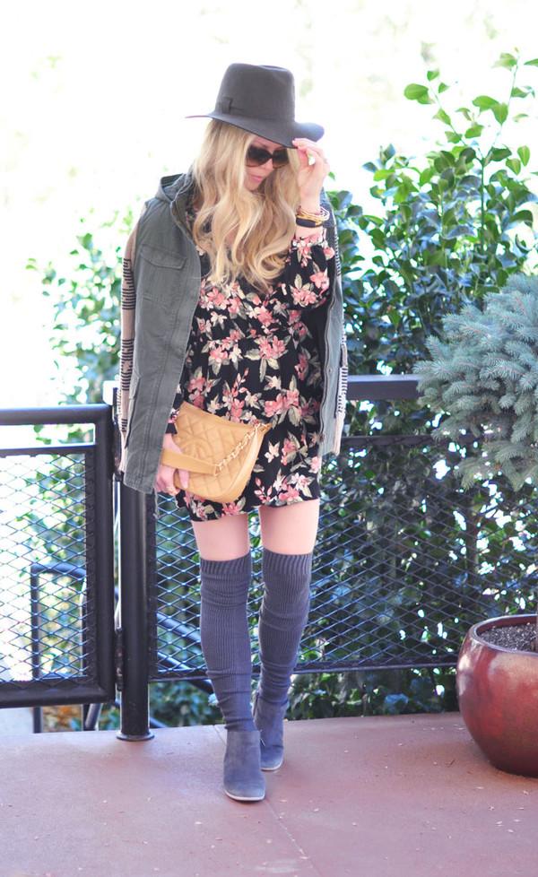 love maegan blogger jewels socks sunglasses floral dress knee high socks floral