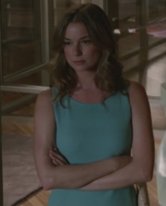 amanda clark revenge emily thorne emily vancamp dress