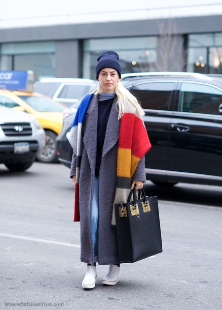 where did u get that blogger long coat grey coat blanket scarf leather bag