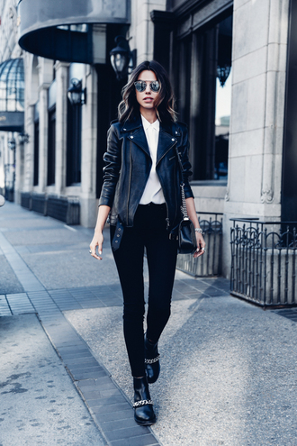 viva luxury blogger black leather jacket black shoes all black everything jeans