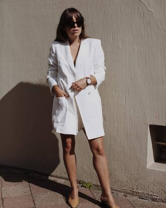 coat tumblr blazer dress blazer white blazer long blazer round sunglasses watch shoes nude shoes mid heel pumps jewels