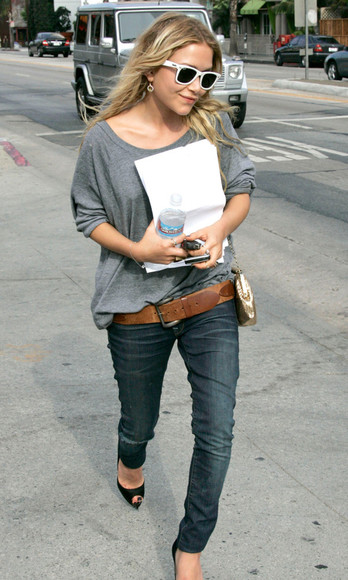 mary kate olsen olsen sisters jeans shoes fall outfits sweater sunglasses