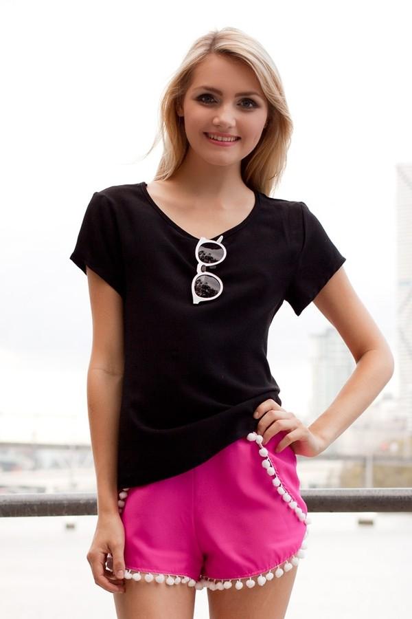 shorts pom poms pompom shorts pom pom pink pink shorts black t-shirt pom pom shorts