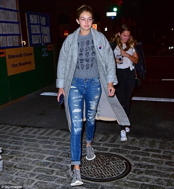 Gigi Hadid Boyfriend Jeans - Shop for Gigi Hadid Boyfriend Jeans ...