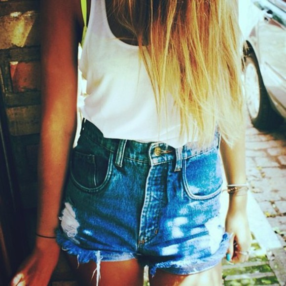 white tank tank shirt thin high waisted shorts