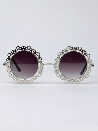 sunglasses tinted sliver frame sliver pretty fashion style tinted sunglasses silver jewelry accessories round sunglasses