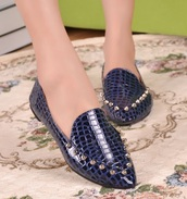 shoes,moccasins,women's shoes,studded shoes,loafers