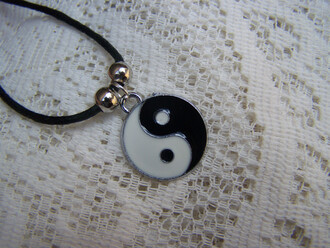 jewels necklace ying yang