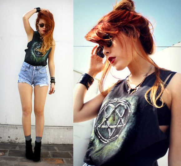 amazing lovely shoes black shirt love it lua p necklace glasses stylish fashion tank top vintage wasted damin shorts high shorts bracelets top
