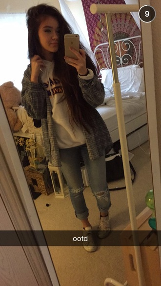 sweater perfect outfit idea outfit insperation boho vintage white sweater flannel shirt converse boyfriend jeans ripped jeans vivian vo-farmer i phone outfit pants cardigan shirt