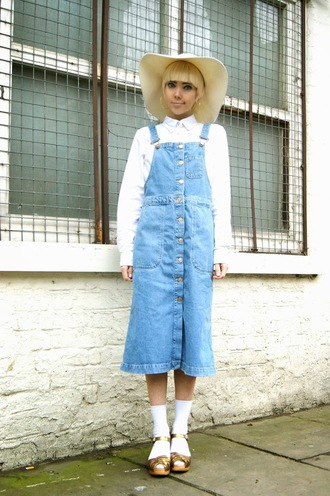 stella's wardrobe blogger denim overalls white shirt floppy hat denim dress sandals gold shoes hat jewels dress shirt shoes