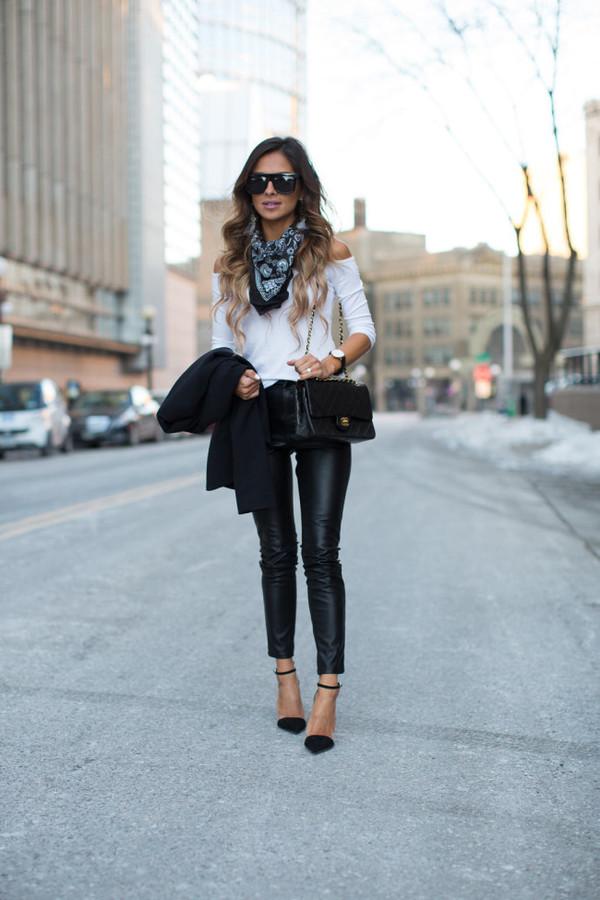 maria vizuete mia mia mine blogger sunglasses leather pants white top silk scarf streetstyle zara bandana bag leggings leather leggings black heels black bag