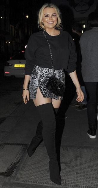 skirt tallia storm top boots streetstyle fall outfits