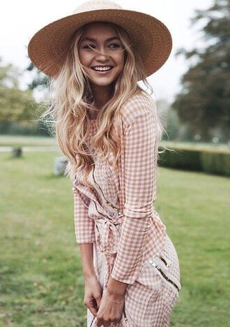 blouse gingham designer model gigi hadid straw hat summer outfits spring outfits top checkered pants checkered checkered shirt pink top pink pants hat sun hat celebrity tumblr jacket pink and white