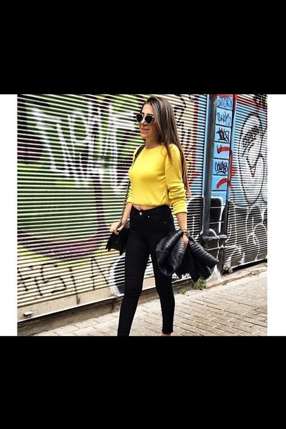 top yellow top fashion look-a-like yellow style blogger