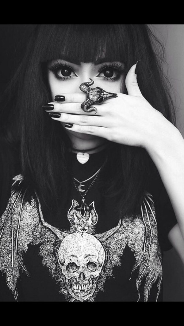 jewels ring silver punk grunge skull big ring goth shirt bat skelton black and white