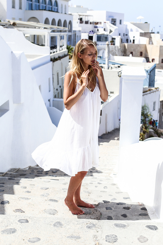 ohh couture blogger backless dress backless white dress summer summer dress sexy dress blonde hair travel