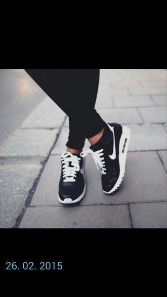 shoes sport wear nike running shoes nike shoes nike air blackandwhiteshoes cardigan