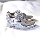 shoes,nike,nike sneakers,metallic,silver shoes,silver sneakers,silver,metallic sneakers,athleisure