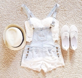 shorts hipster summer outfits crop tops lace top denim shorts short overalls overalls tumblr outfit tumblr clothes light blue jeans summer shorts summer top summer cute outfits cute top california