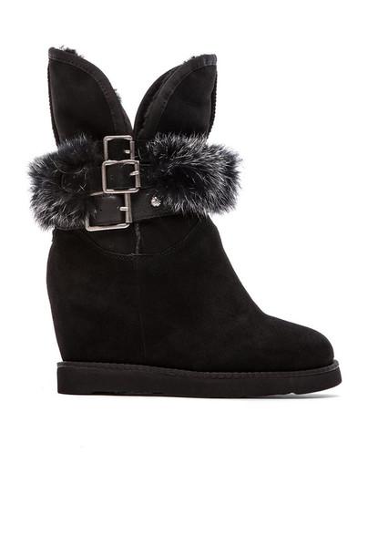 Australia Luxe Collective Hatchet Wedge Boot with Rabbit Fur in black