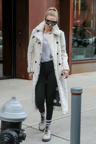 coat winter coat winter outfits top gigi hadid model off-duty streetstyle polka dots