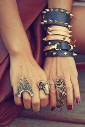 jewels,ring,bracelets,spikes,black,biege color